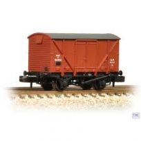 Graham Farish 377-625A 12 Ton BR Plywood Fruit Van BR Bauxite (Early)